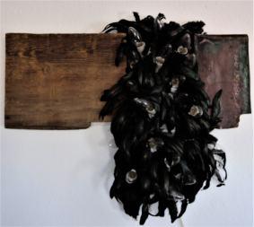 End of Starless and Black/2011/Federn Leuchtmittel Holz Kupfer/80x60x15cm | Klaus Fabricius | Artist Künstler | Information