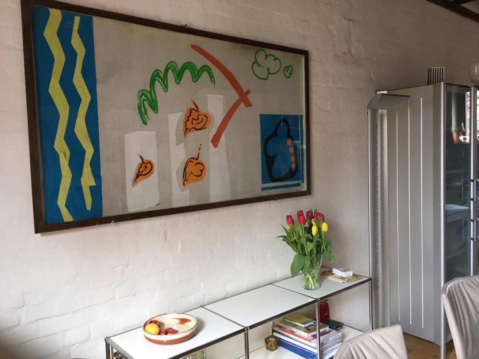 in Erinnerung Abstrak/ca. 1988/Papier auf Stoff unter Vitrinendeckel/160x90cm/privat Besitz Heidelberg | Klaus Fabricius | Artist Künstler | Information