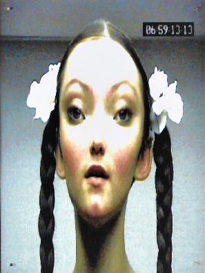 Portrait Frauen/ MTV Girl/2018/Fotografie/TV Capture/50x40cm | Klaus Fabricius | Artist Künstler | Information