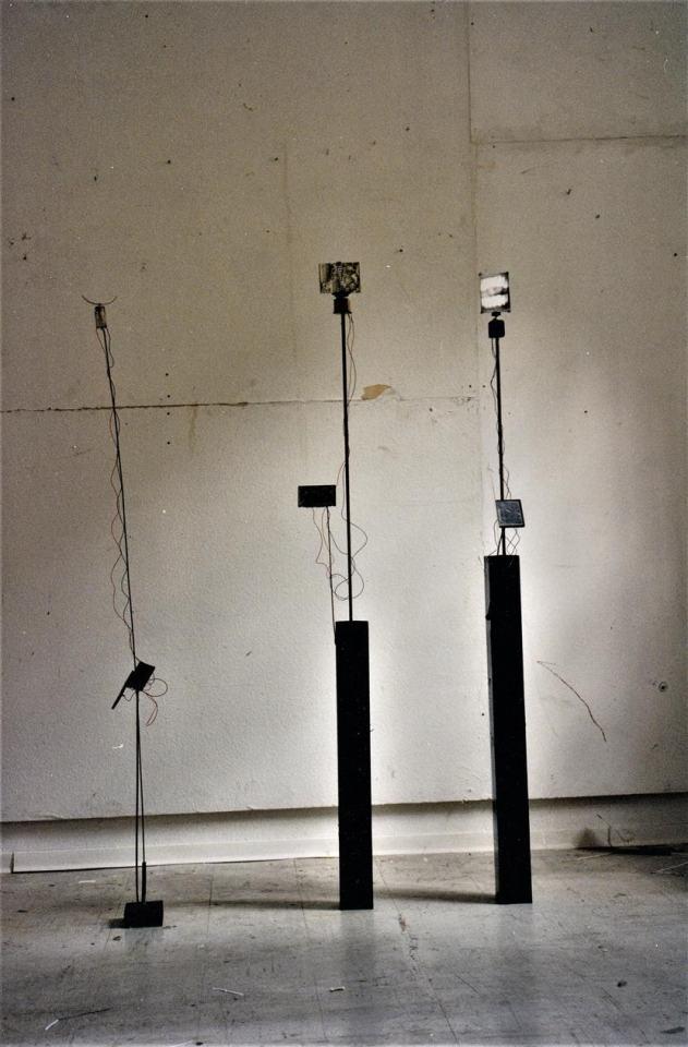 Solar Skulpturen/1997/Fotografie Tesaflügel Draht elektr Motor Solarzelle/ca. 150cm | Klaus Fabricius | Artist Künstler | Information