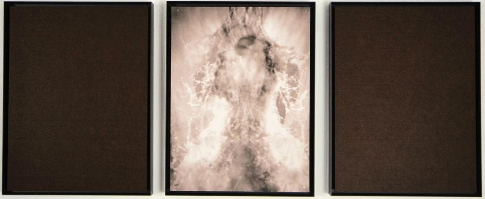 Szenische Rekonstruktion III/2019/Fotografie/Triptychon/Fotografei Filz/40x100cm | Klaus Fabricius | Artist Künstler | Information